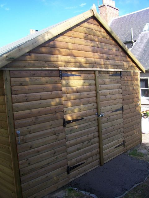 Edinburgh Decking Bespoke Garden Decking: Bespoke Manufacturing Workshop In The Scottish Borders